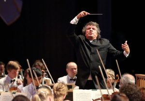 Giancarlo Guerrero leads the 1812 Overture during 2016 Tanglewood on Parade; Hilary Scott photo.